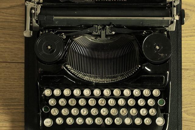 Dubbio n. 32: viene prima l'autore, la storia o il metodo di pubblicazione?